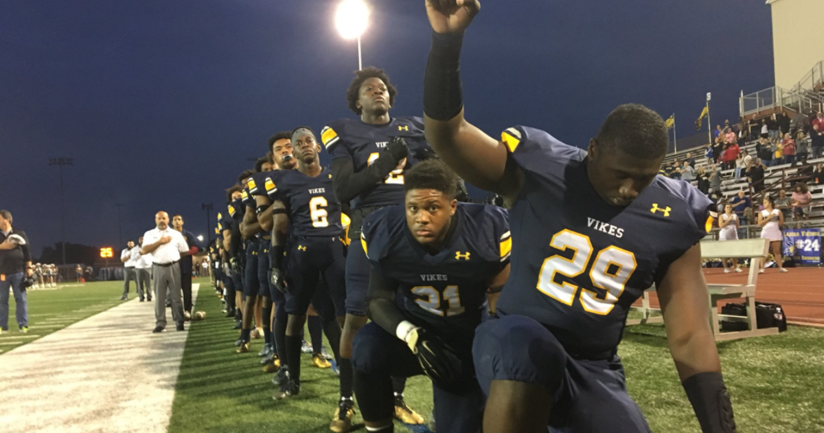 Area Players Including Entire Teams Kneel During National Anthem Before Friday S High School Games Kneeling During National Anthem High School Games National Anthem