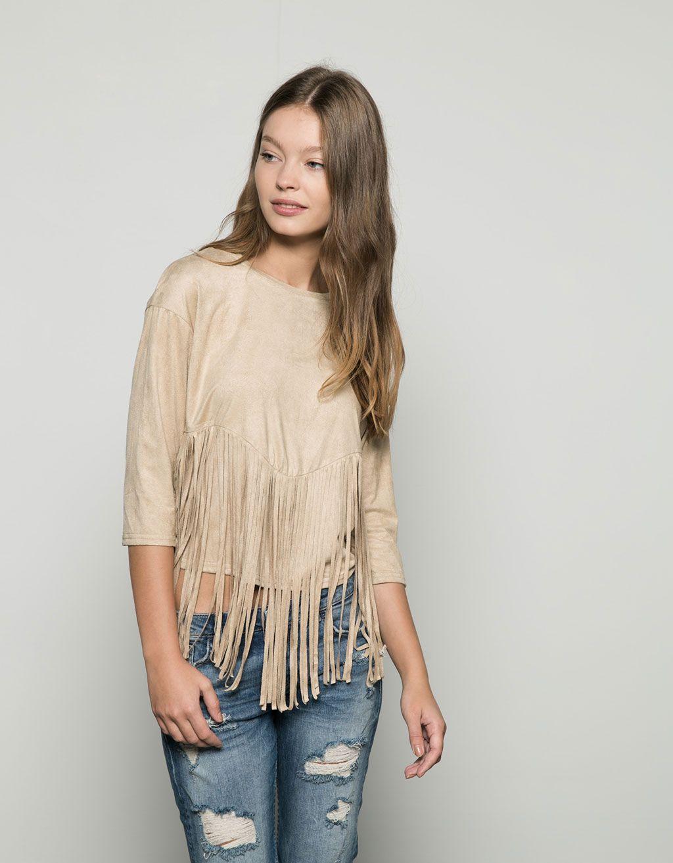Camiseta básica antelina con flecos - Camisetas - Bershka España