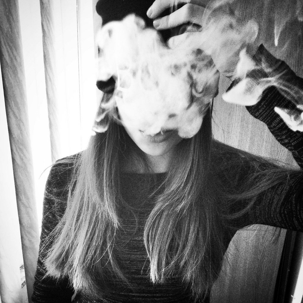 smoking tumblr girls black and white - Google Search ...