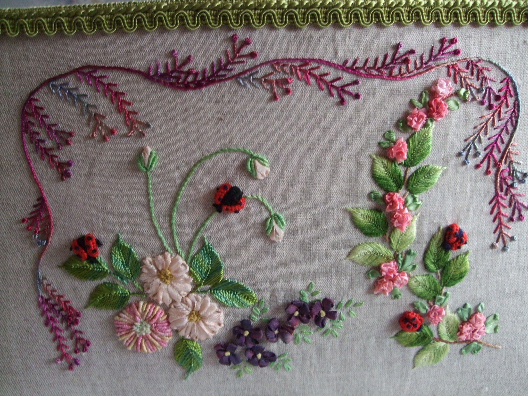 Broderie au ruban et traditionnelle, modèle de Gipsy Quilt (suite)