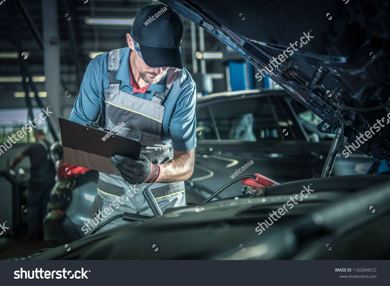 Car Mechanic Detailed Vehicle Inspection Auto Service Center Theme Sponsored Auto Car Center In 2020 Vehicle Inspection Auto Service Center Car Mechanic