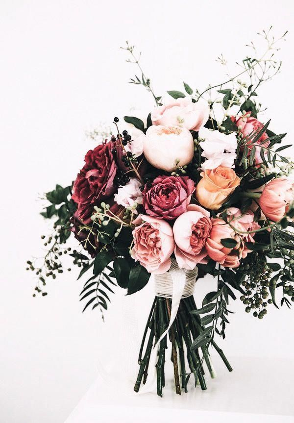 count them flowers. #BeautifulFlowers #weddingbouquets