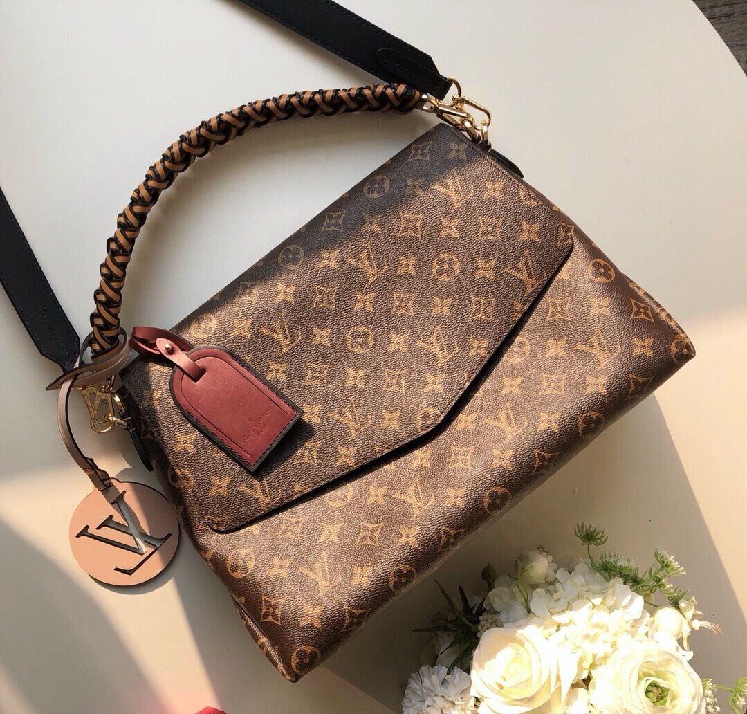e371c8e4b0 Louis Vuitton Beaubourg MM Bag M43953 | Purses in 2019 | Authentic ...