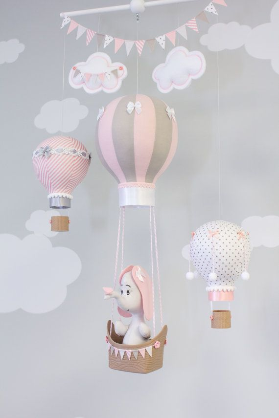 How Gorgeous Is This Baby Nursery Mobile So Beautiful Decoracao De Quarto De Bebe Decoracao Bebe Canto Do Bebe