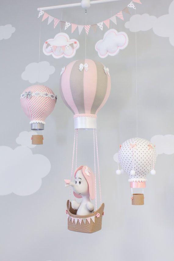 How Gorgeous Is This Baby Nursery Mobile So Beautiful Decoracao De Quarto De Bebe Decoracao Bebe Canto Do Bebe