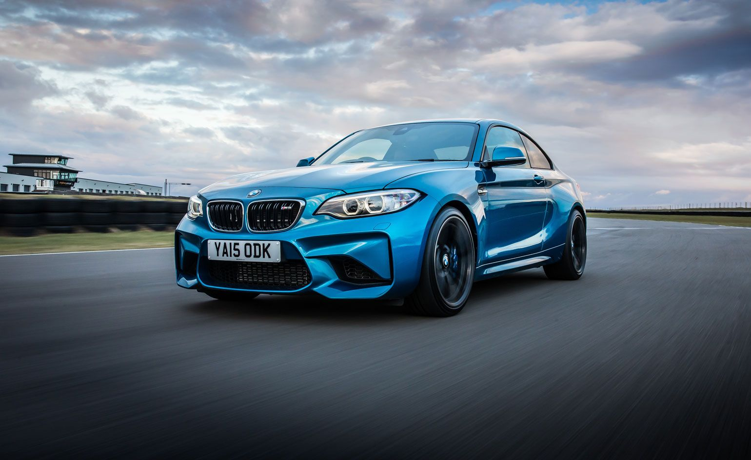 Mid Market Masterpiece Bmw Reveal The M2 Coupe Bmw M2 Bmw Cool Sports Cars