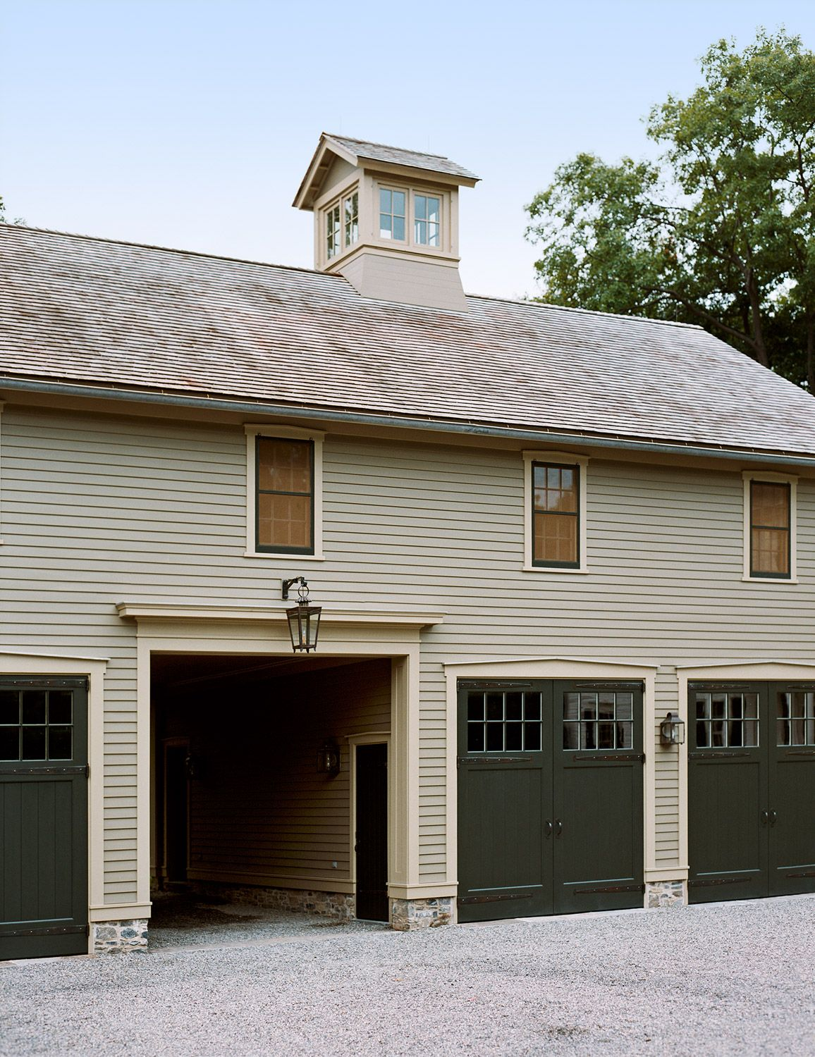 pin by suzanne cummings on carriage house in 2019 pinterest barn rh pinterest com