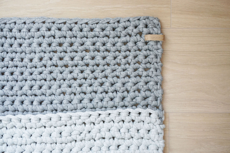 Bed rug carpet grey light grey dark grey crochet key