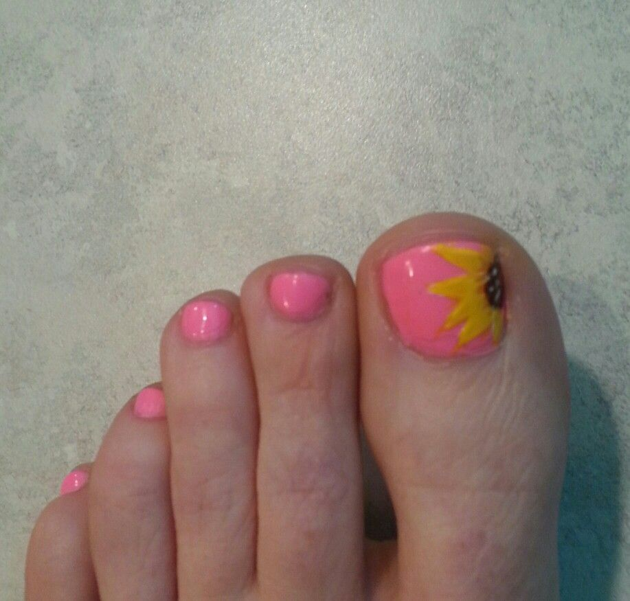 sunflower toenails nails