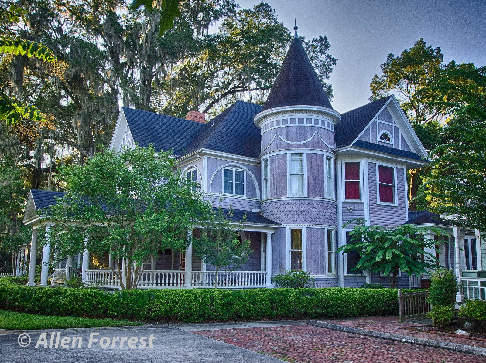 Hodges House In Gainesville Florida Southeast Historic District Built In 1887 It Is An Impressive Quee Victorian Homes Architecture Victorian Architecture