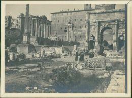 Italia, Roma, Arco di Settimio Severo  Vintage silver print.   Tirage argentique…