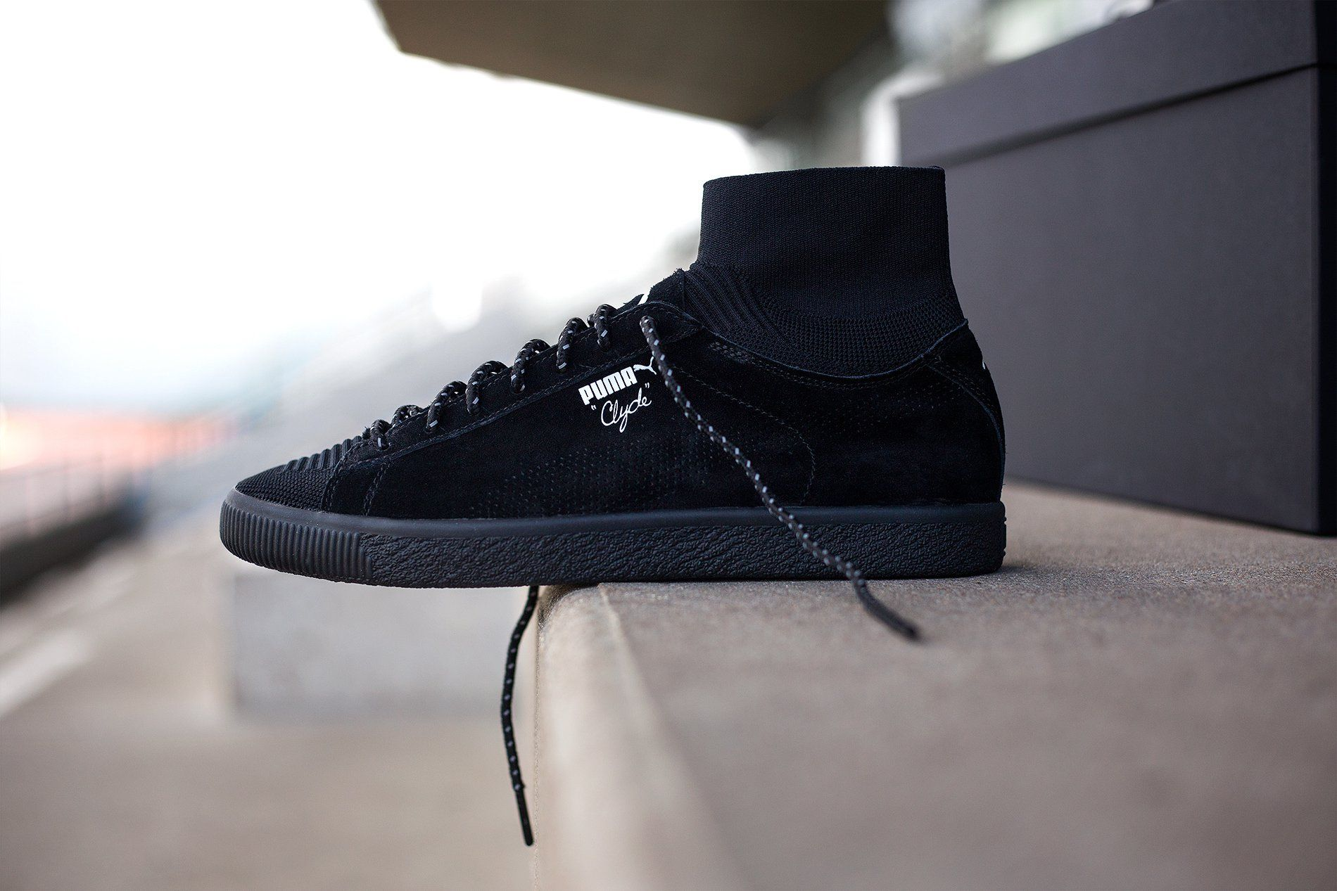 saldar Intolerable siglo  Blackrainbow x Puma Clyde Sock - Special Box | WAVE® | All black sneakers,  Black sneaker, Sneakers