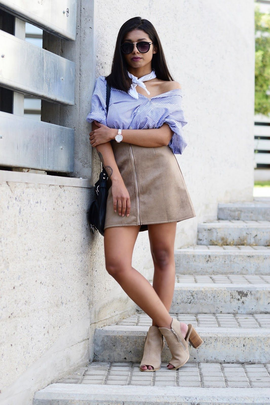 www.streetstylecity.blogspot.com Fashion inspired by the people in the street ootd look outfit sexy heels legs woman girl leather skirt miniskirt boots suede+skirt+outftit+inspiration+style.JPG (1066×1600)