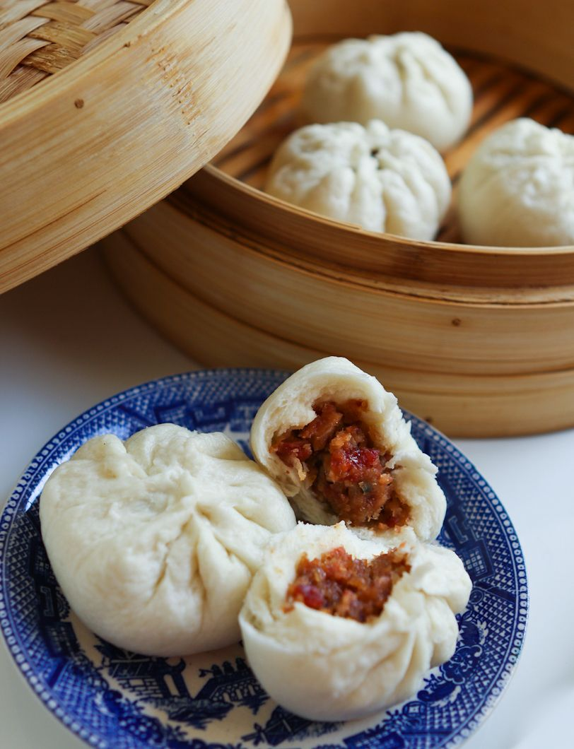 chinese steamed char siu bao