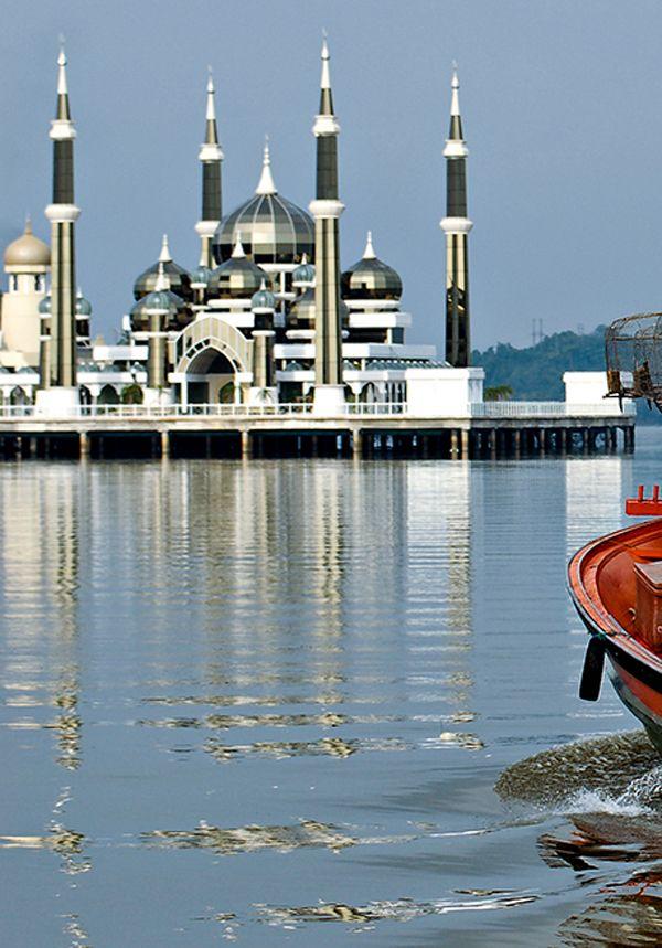 مساجد ماليزيا بالصور منتديات سفره للسياحة والسفر Katedral Camiler Camii