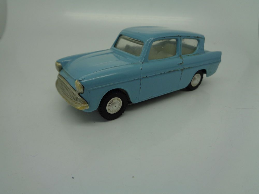 Triang Spot On 213 Ford Anglia Saloon Fantastic Original Vintage Diecast Ebay Ford Anglia Diecast Saloon