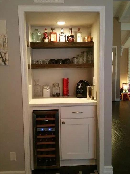 17 Easy Diy Mini Coffee Bar Ideas For Your Home Hausbar Schrank Bar Schrankdekoration