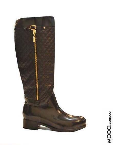 c87f1b3ccf4 Lindas botas para lluvia Cód 216K     230.000 Te esperamos en Bogotá ...