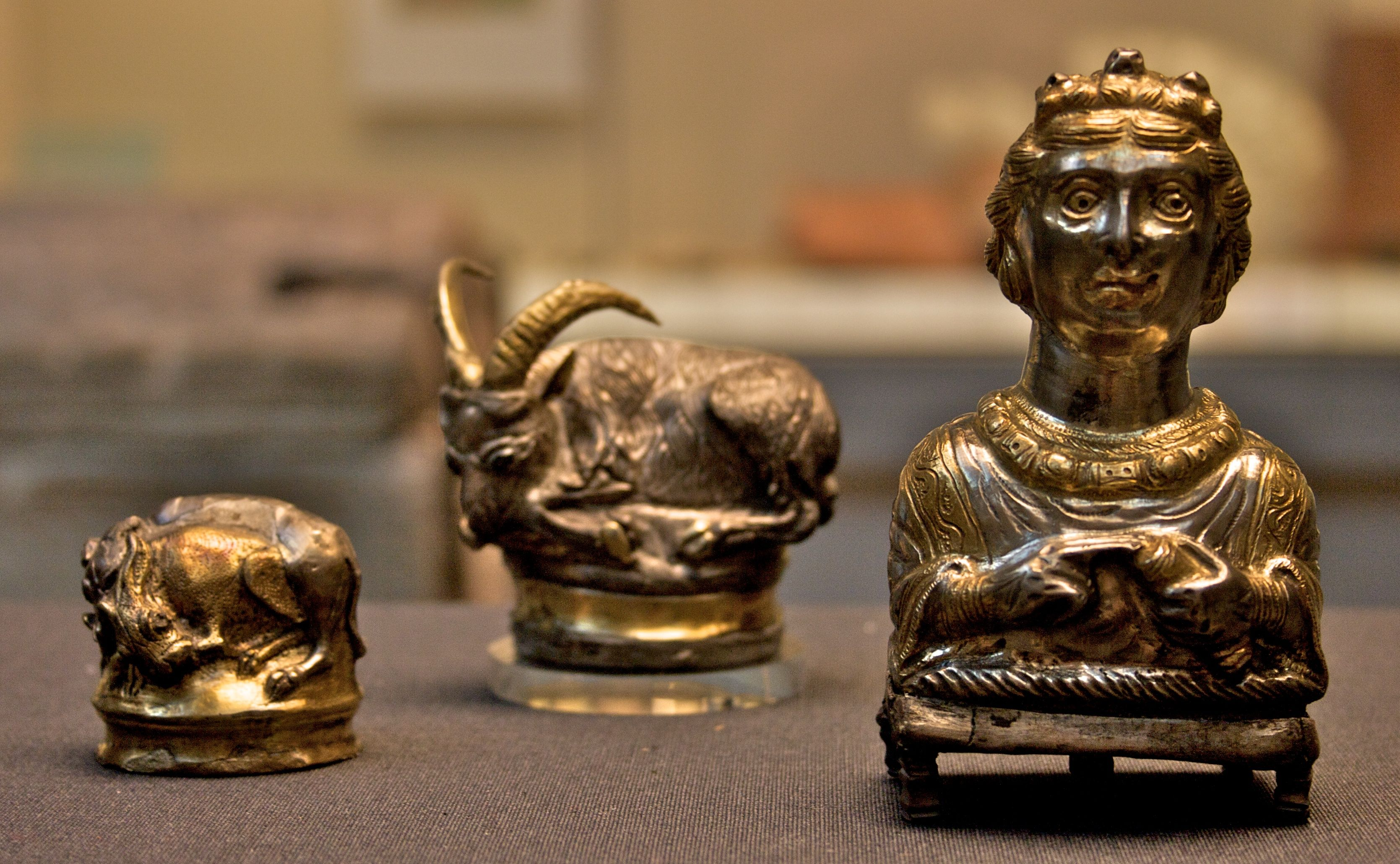 Items from the Hoxne Hoard.