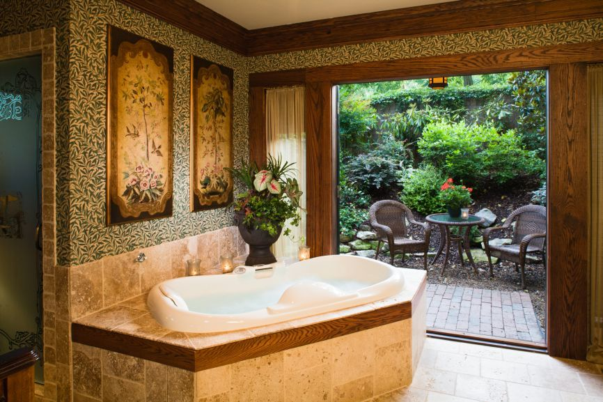 Asheville NC Pet Friendly Bed and Breakfast Luxury