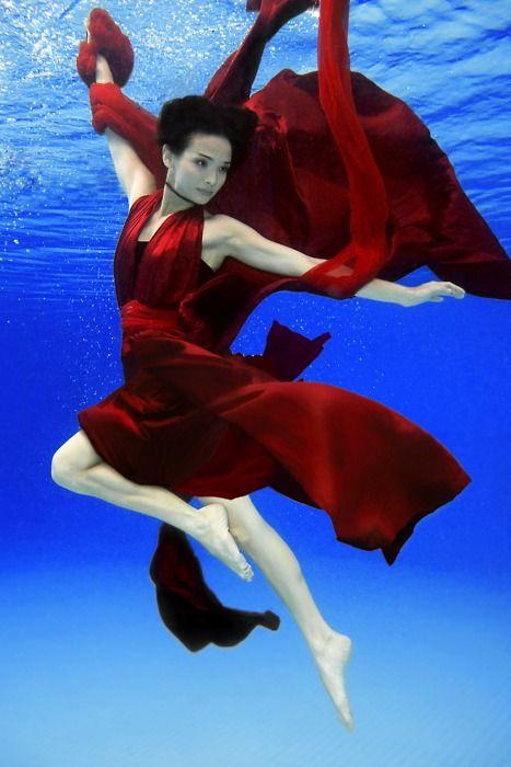 underwater model photography