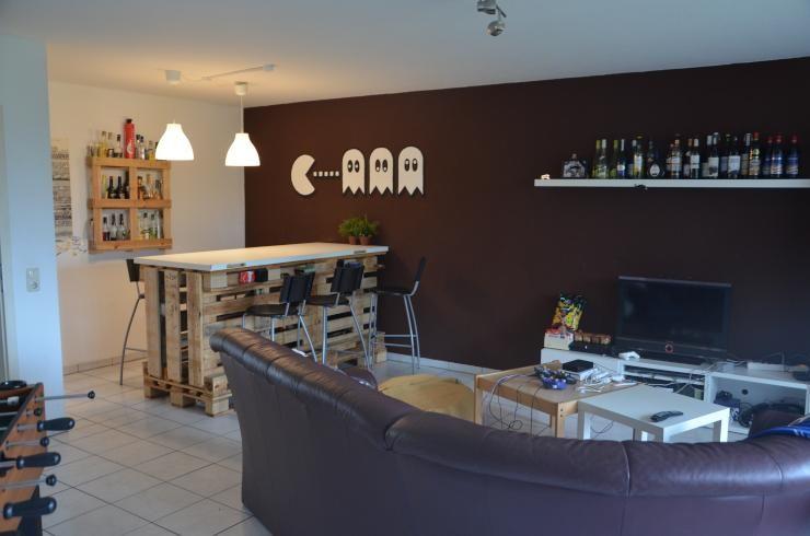 Kreative Einrichtungsidee Zum Budgetpreis: DIY Paletten Tresen Und  DIY Flaschenregal. Perfekt Für Die Wohngemeinschaft! #WG #DIY #Europaletten