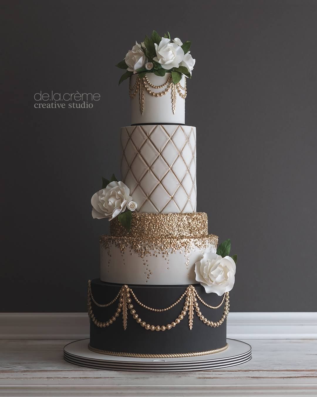 Glamorous Gatsby Inspired Wedding Cake With Images Wedding