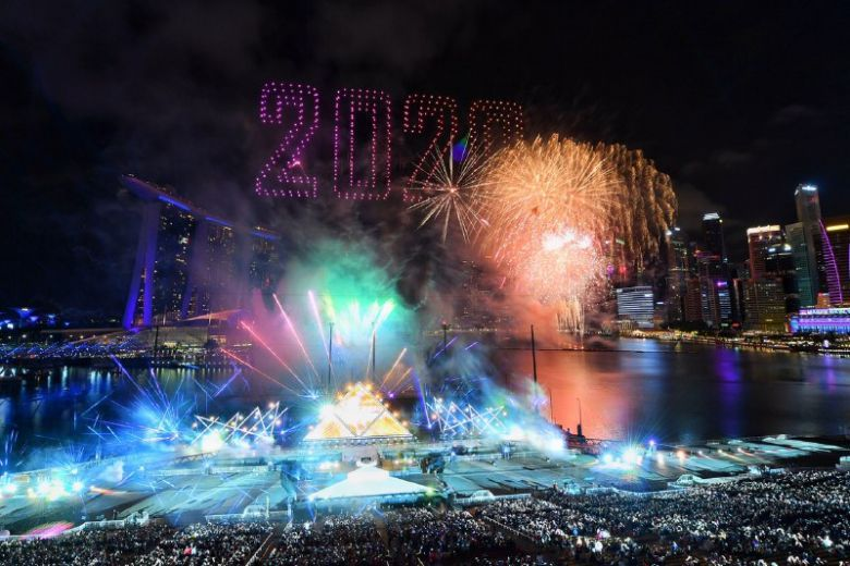 Drone Light Show Singapore 2020 In 2020 Fireworks Pictures Fireworks Photo Celebration Around The World