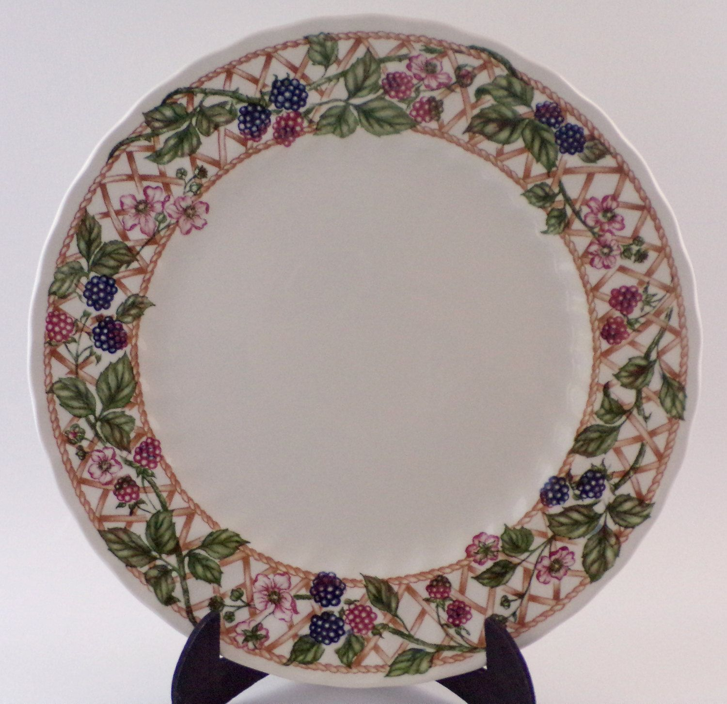 Vintage Dinner Plate Churchill The Chartwell Collection Blackberry Trellis dinner plate made in England English tableware walle deco & Vintage Dinner Plate Churchill The Chartwell Collection ...