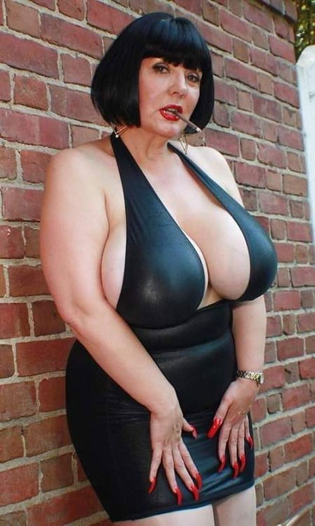 Mature chubby glamour