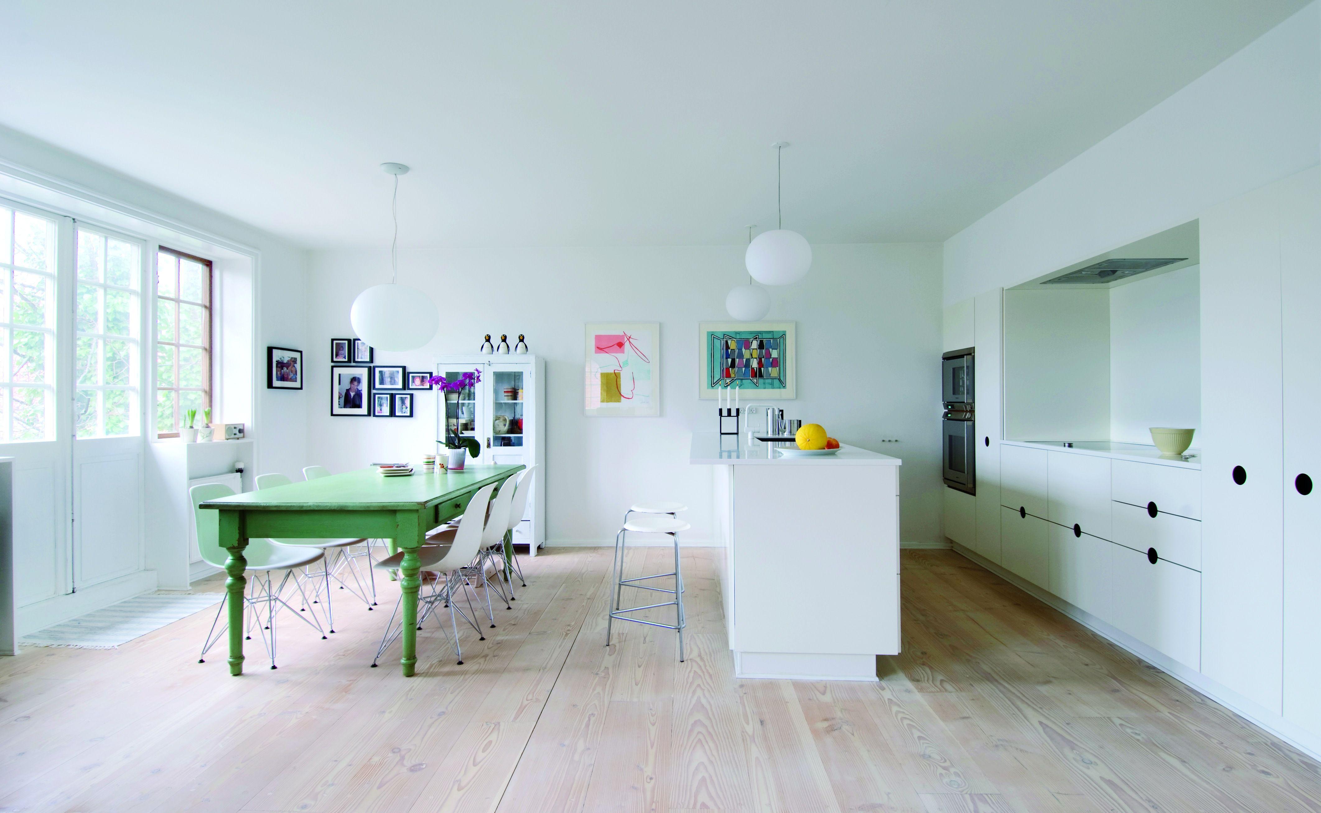 Har du plads til en køkkenø i dit køkken, så placér vasken der. På ...