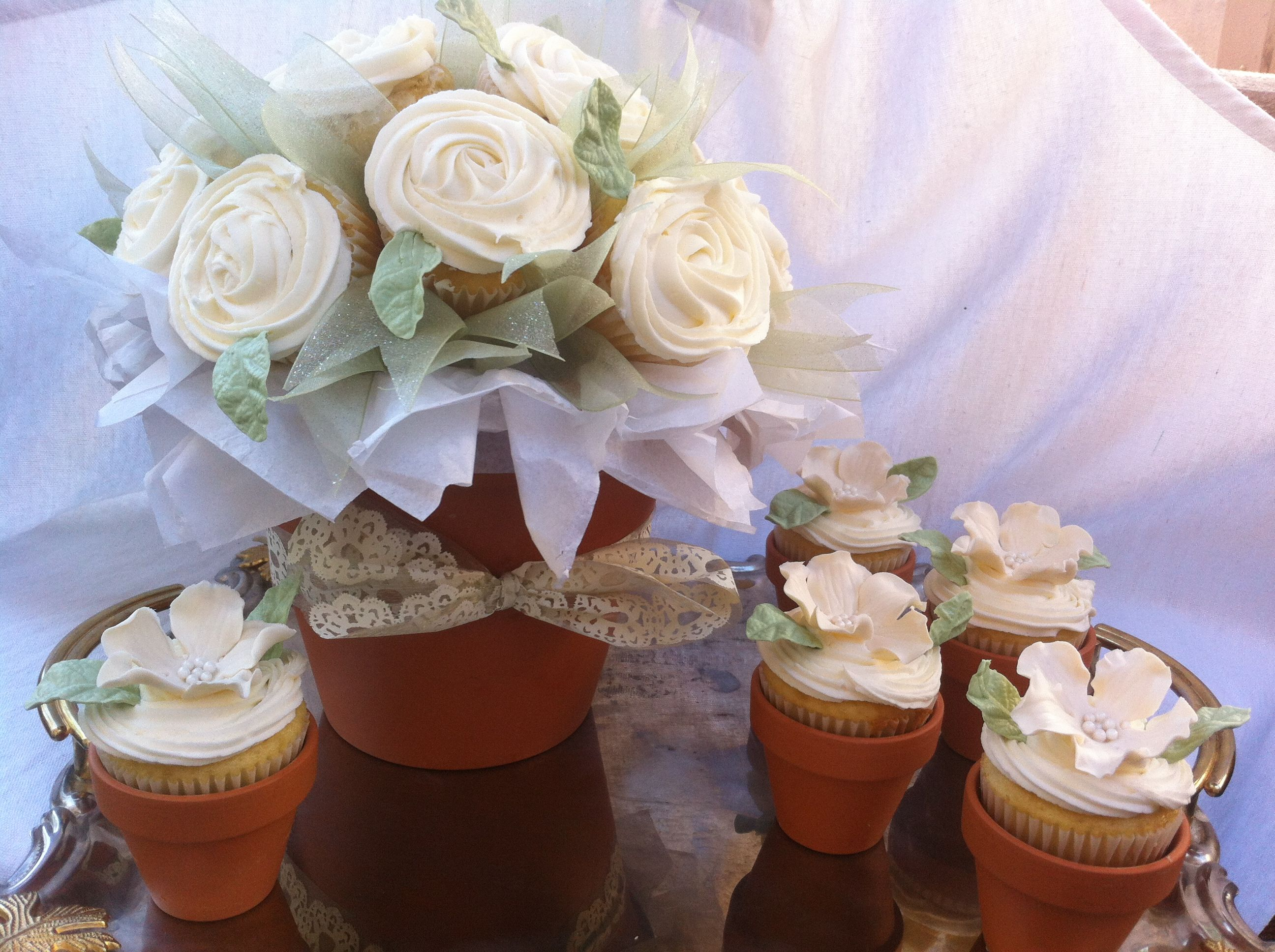 Mother\'s Day cupcake bouquet with individual cupcake flower pots by ...