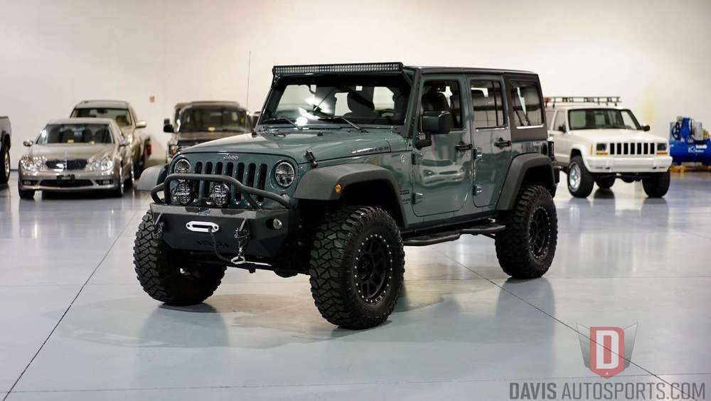 2014 Jeep Wrangler VERY TASTEFULLY UPGRADED 2014 jeep