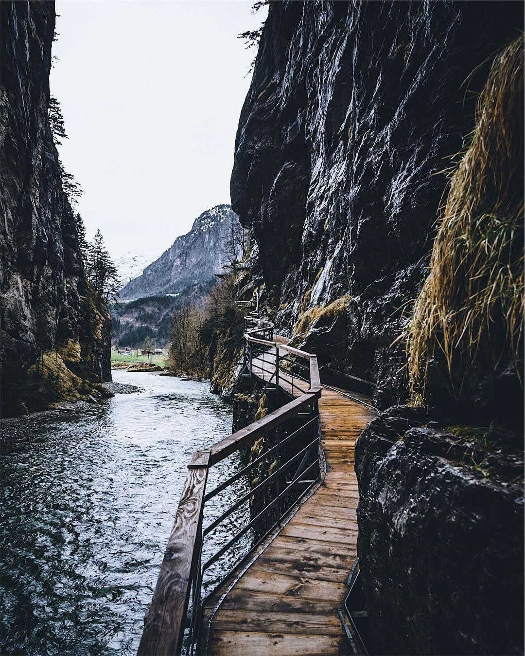wish i were there now - theme | into the wild - wanderlust - trip - vacation - bucket list - explore - adventure - road trip - hiking - camping - nature - natural - wilderness - idea - ideas - inspiration - travel photography