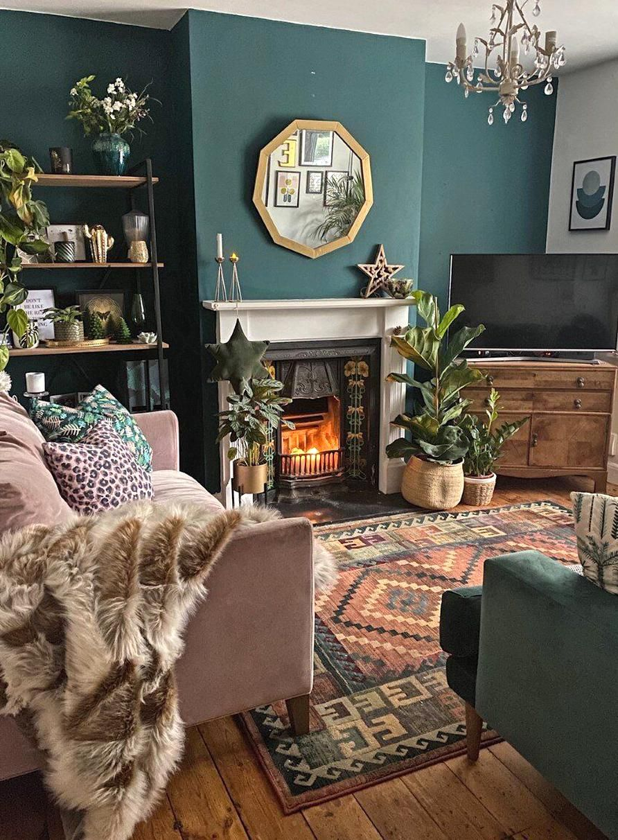 With Such A Striking Green Wall In The Living Room I Decided To Create A Gallery Wall On Th In 2020 Living Room Decor Apartment Victorian Living Room Living Room Green