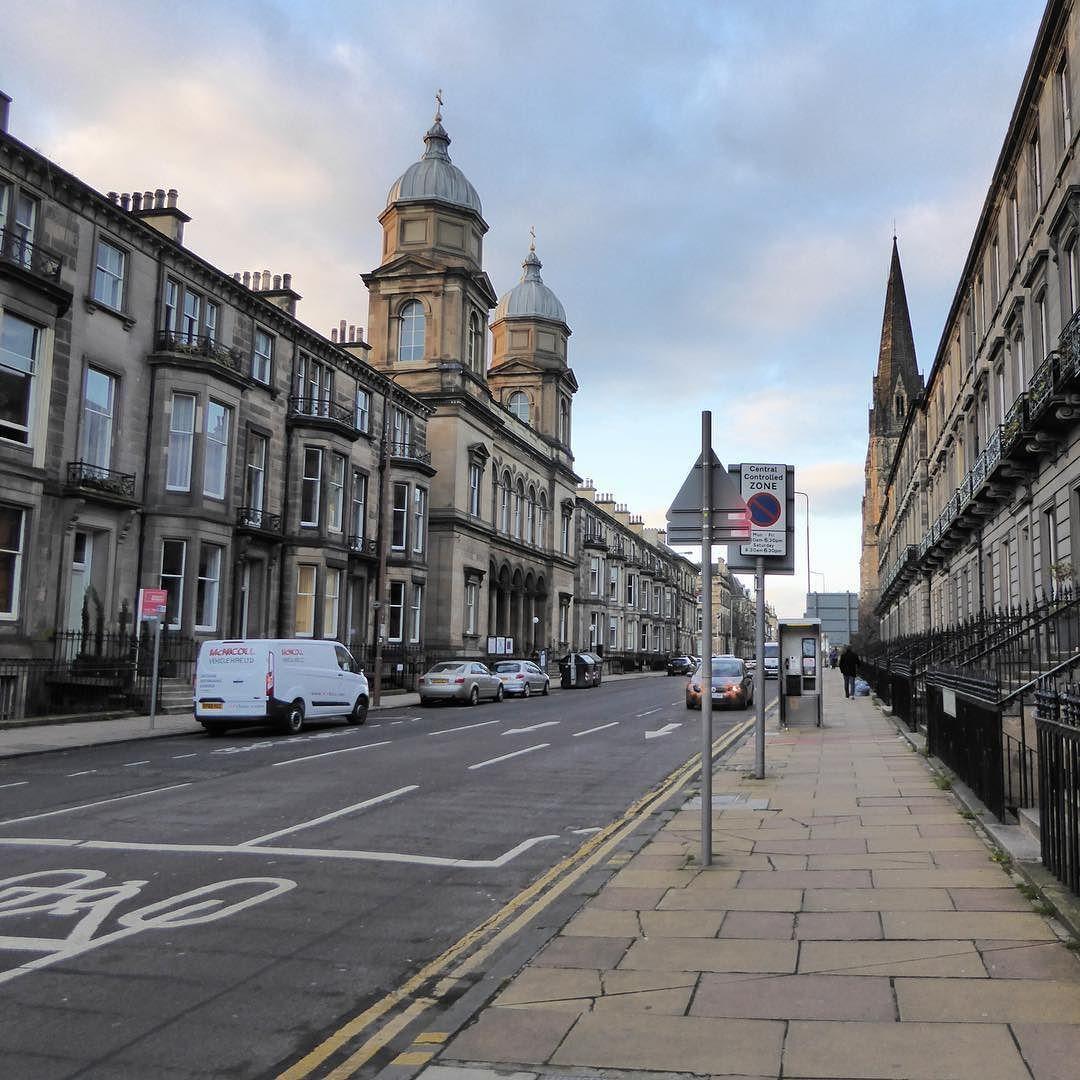 The Streets of Edinburgh  #scotland #edinburgh #uk #wanderlust #travel by chelseamarchioni