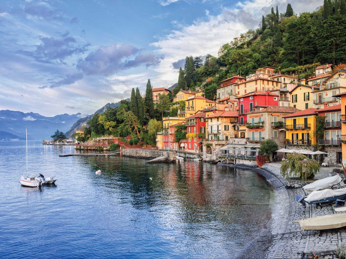 Italy Take A Boat Around Lago Di Como One Of The Most Beautiful Lakes In Italy Lake Como Italy Italy Vacation Italy Travel