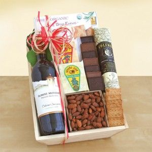 California Wine Picnic Gift Crate. Sender and recipient will receive NakedWines $50 gift card with purchase.