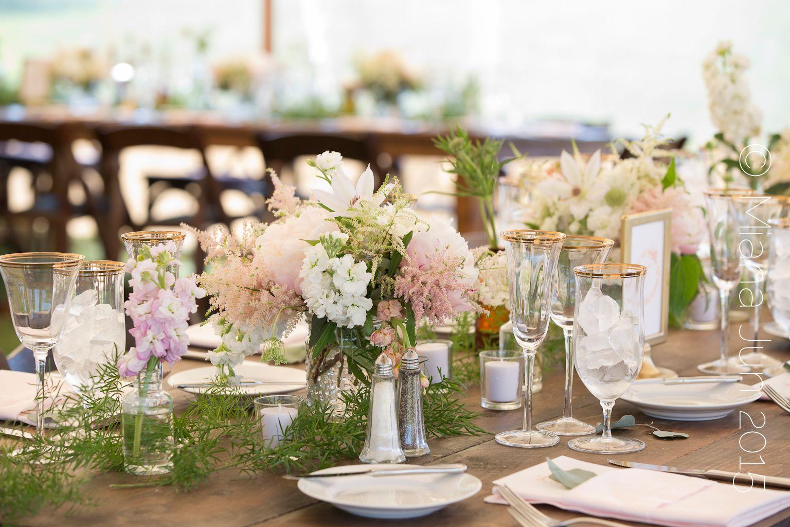 Wedding dinner table decoration beautiful marthaus vineyard wedding tablescape  wedding floral