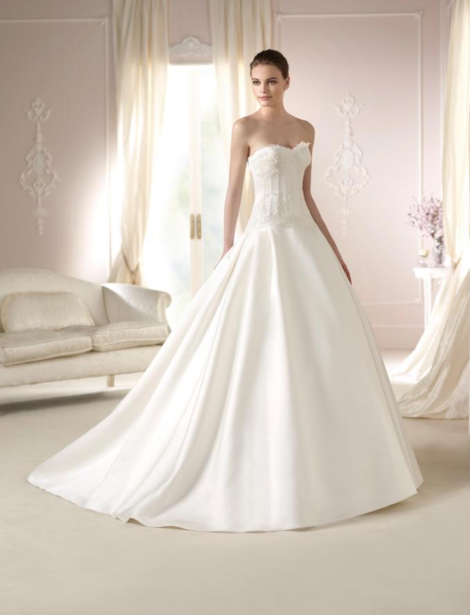 #Vestido de #novia con corte princesa, de palabra de honor y escote corazón.. Modelo DAURA. chantu.es