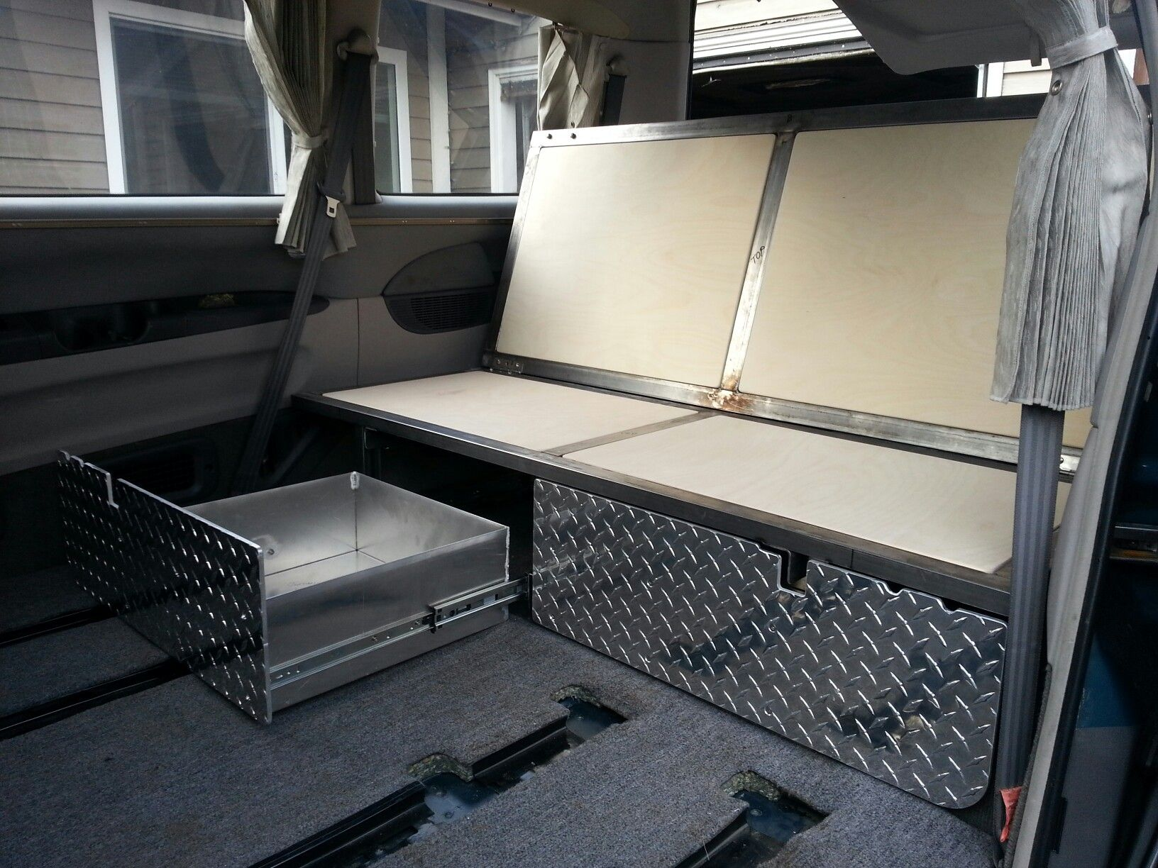 Rock N Roll Interieur Rock N 39roll Bed Mitsubishi Delica L400 Camper Conversion