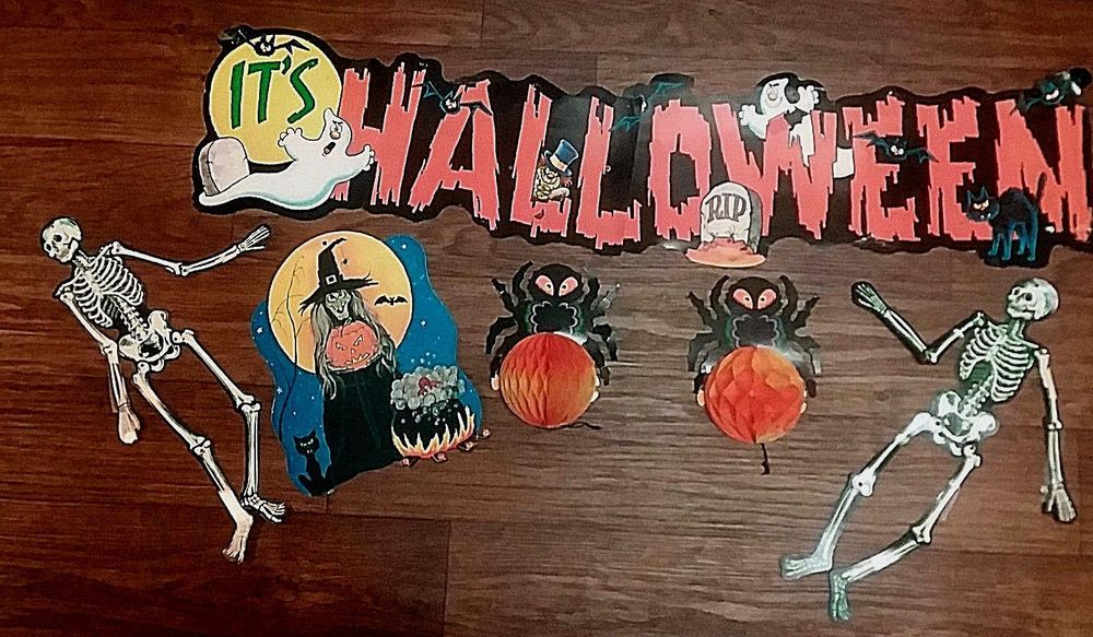 VINTAGE 1981 SIX PIECE HALLOWEEN DECORATIONS Vintage Holiday items - halloween decorations vintage
