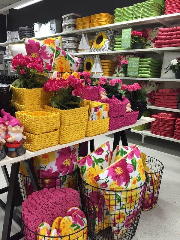 Kauppakeskus IsoKristiinaan avautuu perjantaina 20.5. Markkinasirkus-niminen pop up -myymälä, joka myy kodin sisustus- ja käyttötavaraa.