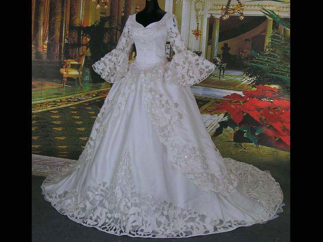Vintage victorian ball gowns blwhteballgown2nd wedding for Vintage gothic wedding dresses