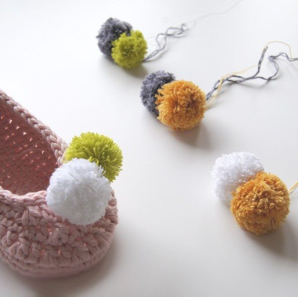 Looking colors for Pompoms. | Zapatitos | Pinterest