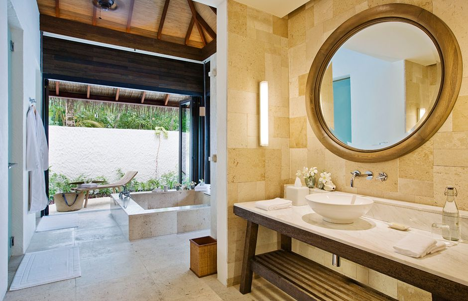 Garden Suite bathroom Maalifushi by COMO