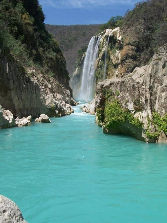 Cascada de Tamul, ubicada en SanLuisPotosí, MÉXICO