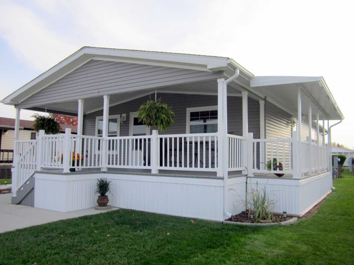 board and batten siding on mobile home nice   Mobile Home Ideas ...