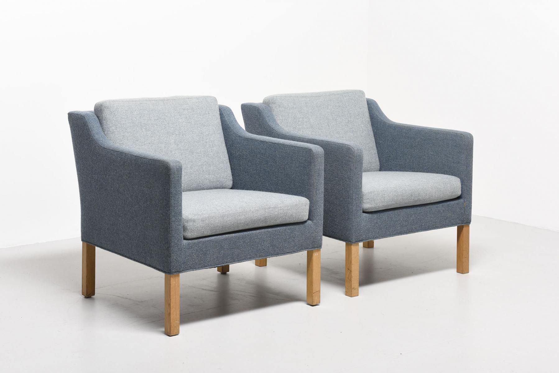 Vintage Model 2521 Blue Easy Chair By Børge Mogensen For Fredericia 2 Borgemogensen Blue Easy Chair Mid Century Style Furniture Easy Chair