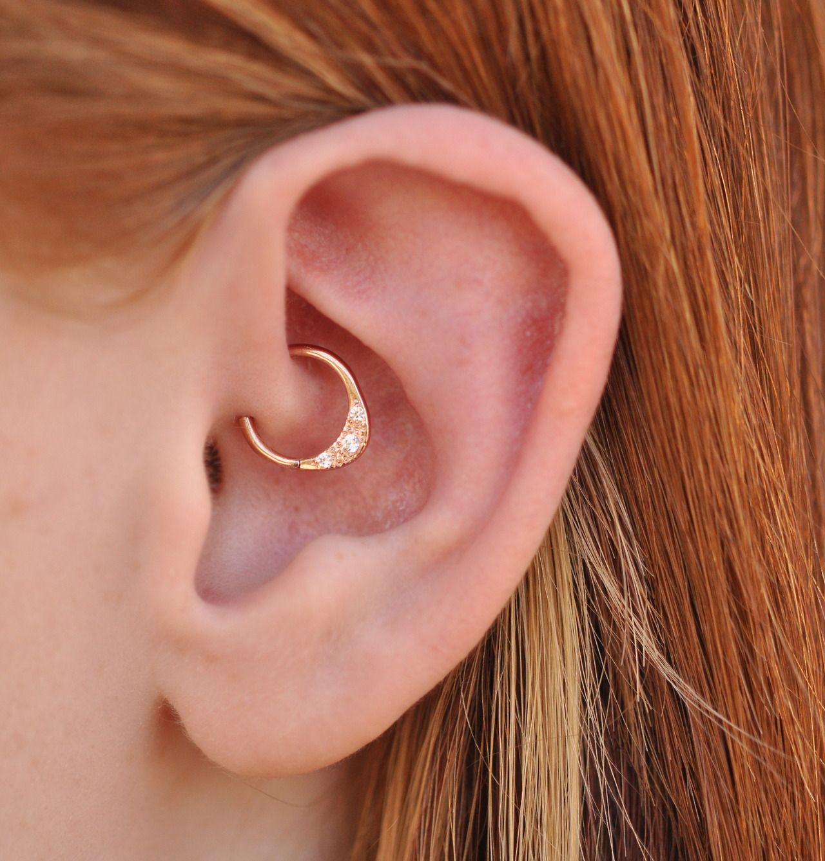 Piercing orelha rose gold
